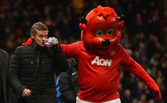 Nếu bóng đá là phép tính 1+1=2 thì Mou đã vô địch Champions League, Ole chẳng về với MU!