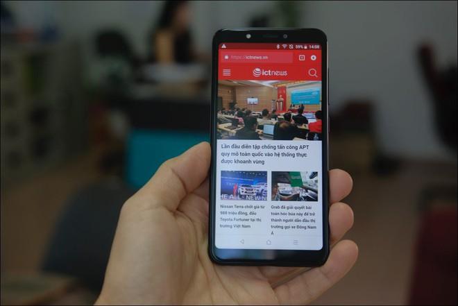 Mở hộp Vsmart Joy 1, smartphone rẻ nhất của Vinsmart - Ảnh 5.