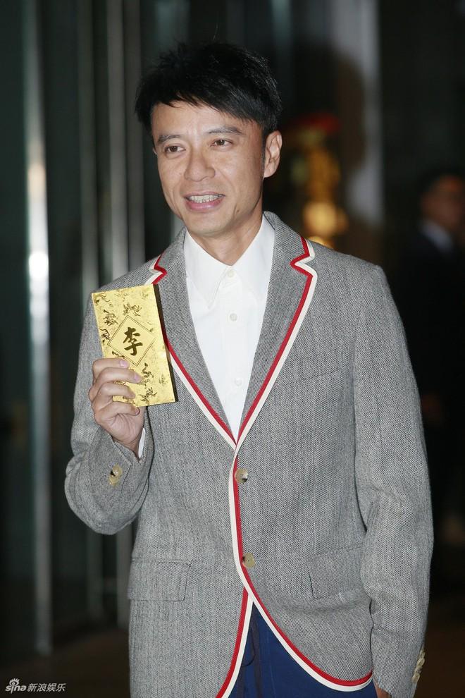 Đám cưới hoành tráng của Chung Hân Đồng: Ông trùm showbiz Hong Kong, con gái tài phiệt Macau cùng dàn sao hạng A tề tựu đông đủ - Ảnh 17.