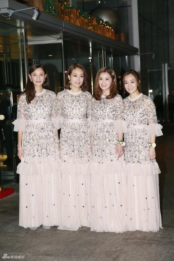 Đám cưới hoành tráng của Chung Hân Đồng: Ông trùm showbiz Hong Kong, con gái tài phiệt Macau cùng dàn sao hạng A tề tựu đông đủ - Ảnh 6.