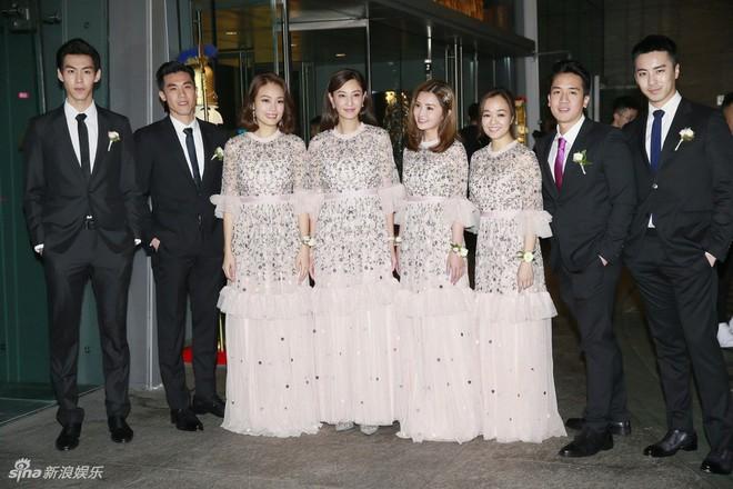 Đám cưới hoành tráng của Chung Hân Đồng: Ông trùm showbiz Hong Kong, con gái tài phiệt Macau cùng dàn sao hạng A tề tựu đông đủ - Ảnh 8.