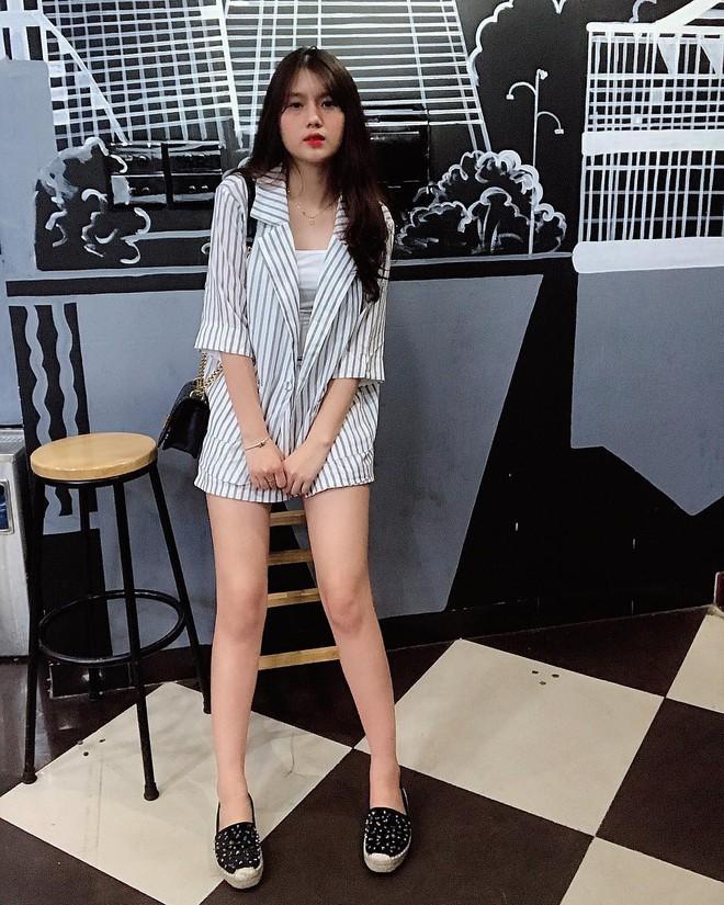 Nhan sắc bạn gái của Nguyễn Thành Chung - chàng cầu thủ vừa được HLV Park gọi lên tuyển - Ảnh 9.