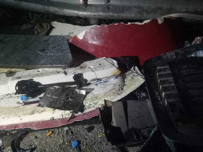 Xe bồn lao xuống vực, nổ lớn rồi bùng cháy sau va chạm trên đèo Hải Vân, tài xế tử vong - Ảnh 6.