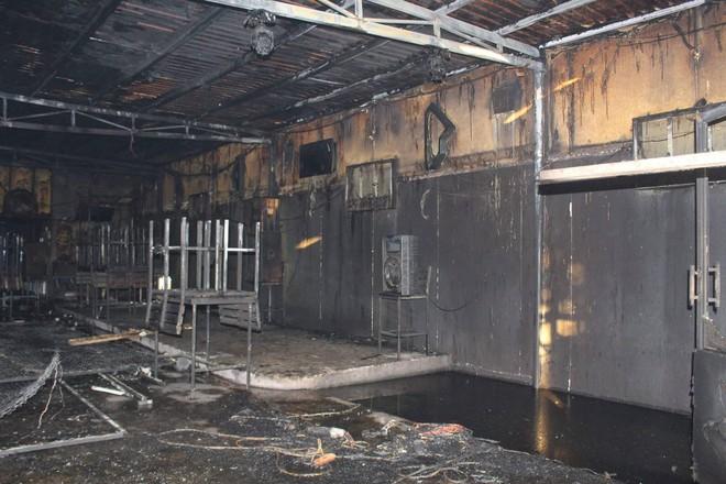 Nhân chứng vụ cháy quán Ruby khiến 6 người chết: Chúng tôi đã cố gắng nhưng chẳng cứu được họ - Ảnh 1.