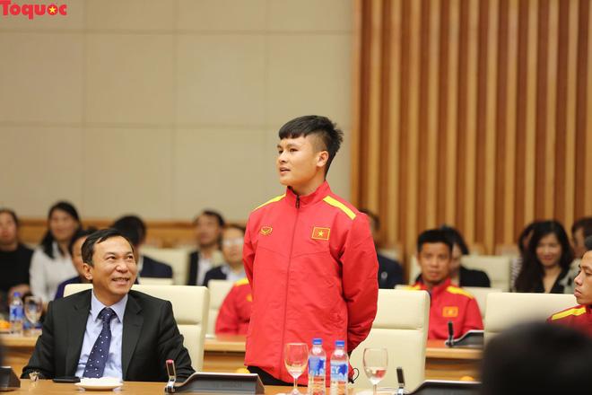 Thủ tướng Nguyễn Xuân Phúc gặp mặt Đội tuyển bóng đá Việt Nam - Ảnh 5.