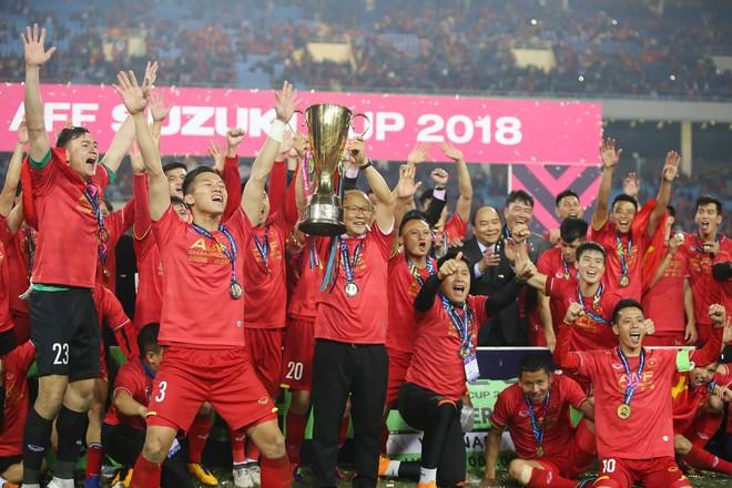 Trọng trách nặng nề với ĐT Việt Nam sau chức vô địch AFF Cup 2018 - Ảnh 3.