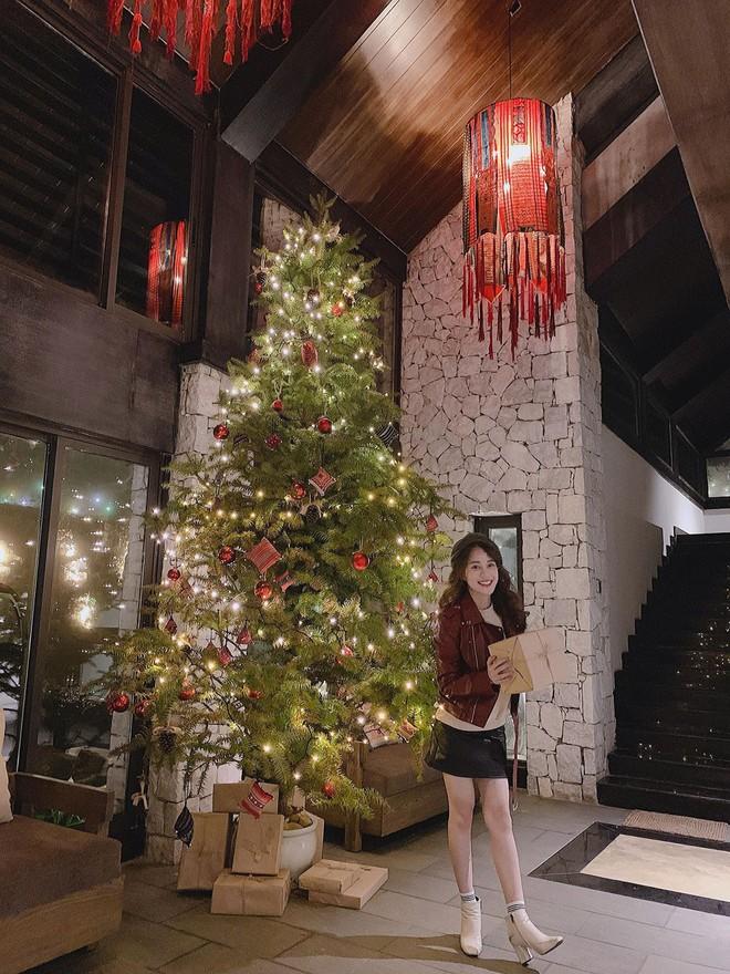 Hội chị em Hotgirl lên biệt thự Sapa check-in Noel sáng choang cả vùng trời - Ảnh 3.