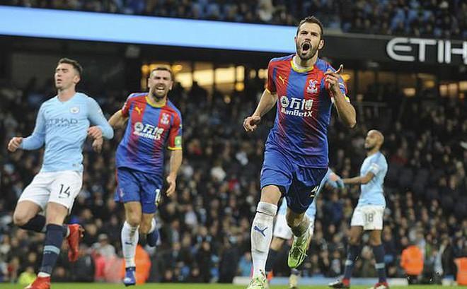 Thất bại muối mặt ngay trên sân nhà, Man City hụt bước trong cuộc đua với Liverpool