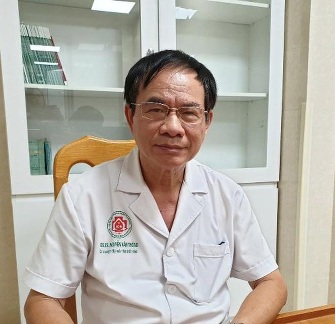 Chủ tịch hội đột quỵ Việt Nam: 5 dấu hiệu cảnh báo đột quỵ bất cứ ai cũng phải thuộc lòng  - Ảnh 1.