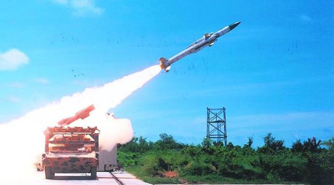 Ấn Độ sẽ tổng lực triển khai S-400, Su-30MKI, tiêm kích Rafale áp sát biên giới Trung Quốc - Ảnh 1.