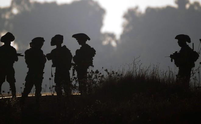"""Israel thẳng tay nổ súng vào """"người Syria có vũ trang"""" bước qua  giới tuyến phi quân sự"""