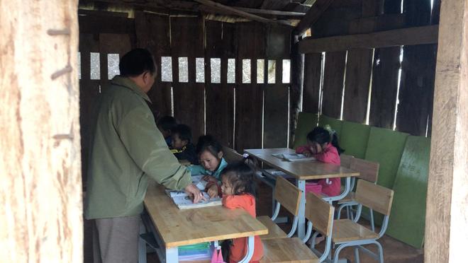 Trẻ em Tri Lễ miệt mài đến lớp trong giá rét - Ảnh 5.
