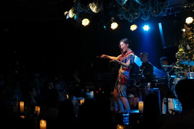 Thu Minh phá lệ, lần đầu mạnh dạn hát nhạc bolero - Ảnh 8.