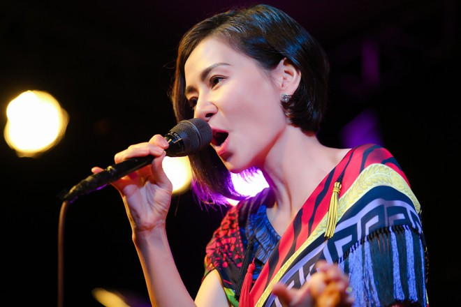 Thu Minh phá lệ, lần đầu mạnh dạn hát nhạc bolero - Ảnh 5.