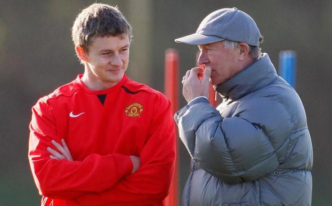 Tiết lộ: Chính Sir Alex là người đứng sau việc Solskjaer trở lại Man United