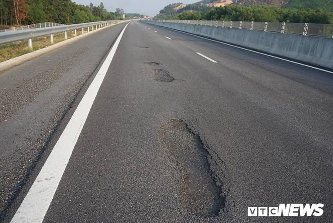 Cao tốc Đà Nẵng – Quảng Ngãi: Toàn cảnh thăng trầm sau chưa đầy 4 tháng vận hành toàn tuyến - Ảnh 2.