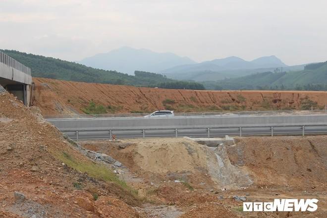 Cao tốc Đà Nẵng – Quảng Ngãi: Toàn cảnh thăng trầm sau chưa đầy 4 tháng vận hành toàn tuyến - Ảnh 8.