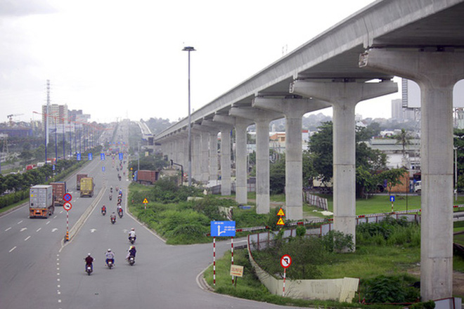 Trưởng Ban Quản lý đường sắt đô thị nói giảm độ dày tường vây metro từ 2 m xuống 1,5m để... tiết kiệm - Ảnh 2.