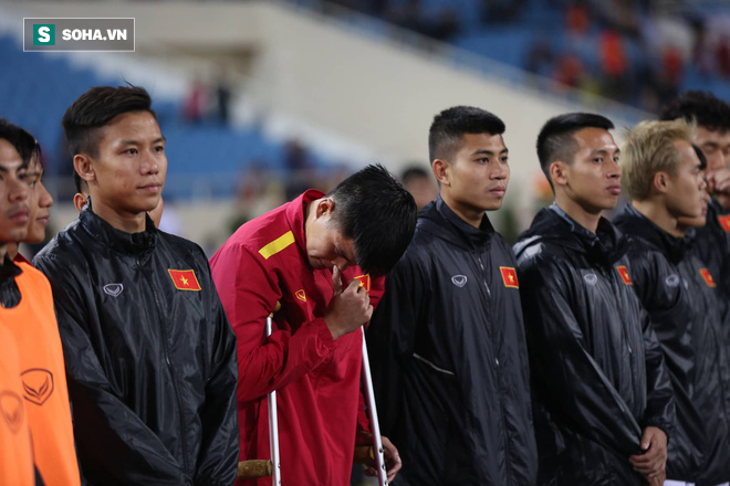 Sao Việt Nam nghẹn ngào khóc khi hát Quốc ca vì chấn thương, lỡ Asian Cup - Ảnh 9.