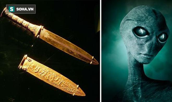 Tìm thấy vũ khí hơn 3.000 năm không gỉ sét ở lăng mộ: Nghi vấn của người ngoài hành tinh - Ảnh 1.