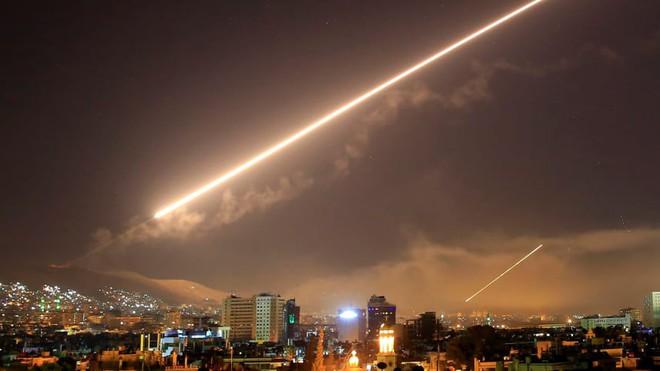 Thông điệp sắc lạnh: Mỹ rút quân, Nga đe dọa, tấn công Syria là việc của Israel! - Ảnh 1.