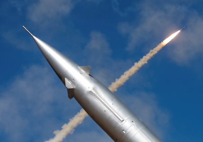 Tên lửa mới, đẹp, thông minh Israel phá tan 3 lớp phòng thủ Syria, diệt gọn mục tiêu - Ảnh 4.