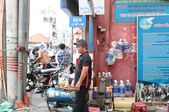 Người đàn ông ở Sài Gòn 17 năm đi xin quan tài  - Ảnh 3.