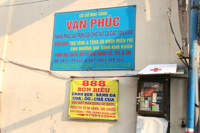 Người đàn ông ở Sài Gòn 17 năm đi xin quan tài  - Ảnh 2.