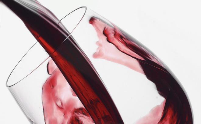 Nghiên cứu mới về rượu vang và não bộ