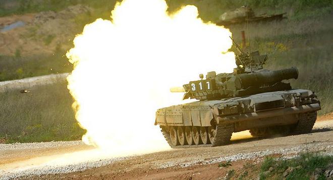 [ẢNH] Chiến tăng bay T-80BVM Nga trang bị đạn Uranium nguy hiểm cỡ nào? - Ảnh 11.