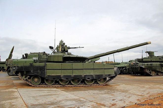 [ẢNH] Chiến tăng bay T-80BVM Nga trang bị đạn Uranium nguy hiểm cỡ nào? - Ảnh 18.