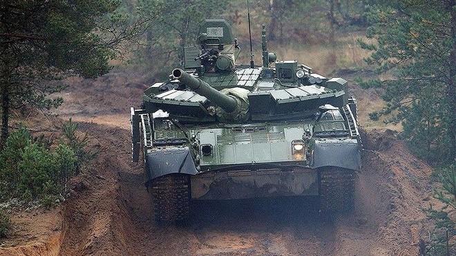 [ẢNH] Chiến tăng bay T-80BVM Nga trang bị đạn Uranium nguy hiểm cỡ nào? - Ảnh 23.