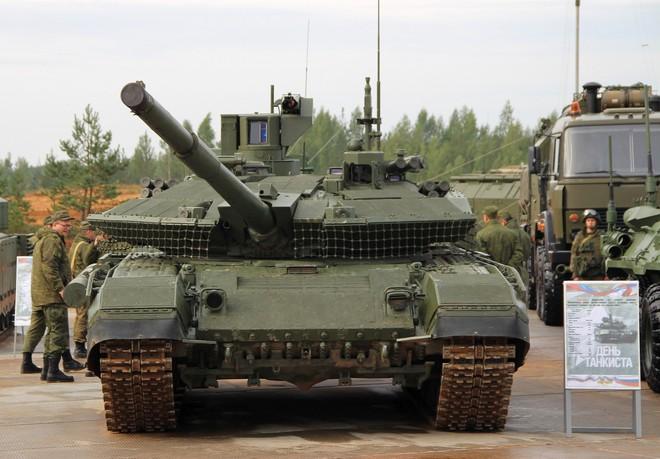[ẢNH] Chiến tăng bay T-80BVM Nga trang bị đạn Uranium nguy hiểm cỡ nào? - Ảnh 25.