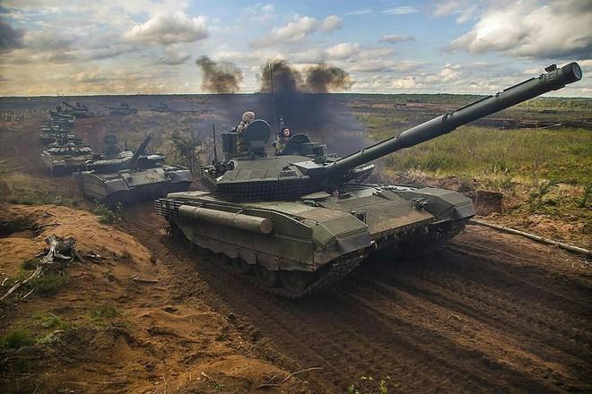 [ẢNH] Chiến tăng bay T-80BVM Nga trang bị đạn Uranium nguy hiểm cỡ nào? - Ảnh 7.