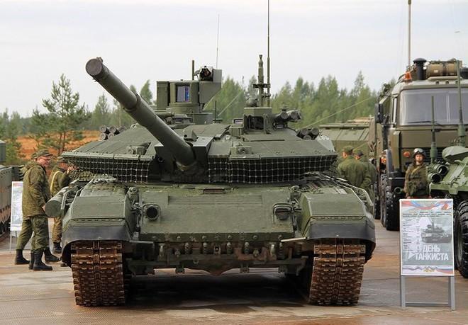 [ẢNH] Chiến tăng bay T-80BVM Nga trang bị đạn Uranium nguy hiểm cỡ nào? - Ảnh 9.