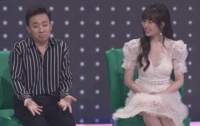 Vì sao Trấn Thành - Hari Won từ cặp đôi bị dị nghị bỗng trở nên hot nhất làng giải trí Việt? - Ảnh 2.