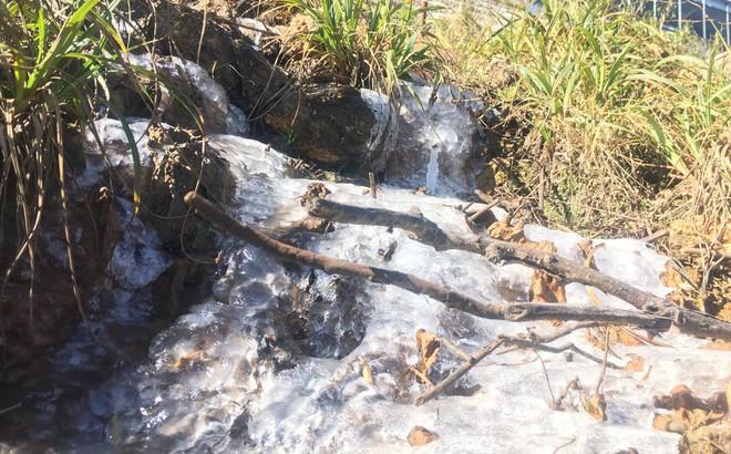 Đỉnh núi Fansipan lạnh 0 độ, nước suối đóng thành băng
