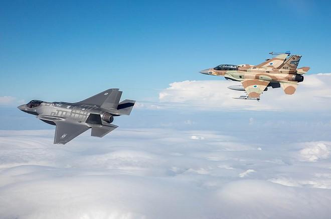 Sát thủ giấu mặt F-35I Adir đã âm thầm tấn công Syria đêm 25/12 - Ảnh 2.
