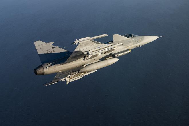Tiêm kích Su-35 Nga gặp nguy hiểm trên khu vực Baltic: Châu Âu có sát thủ mới - Ảnh 2.