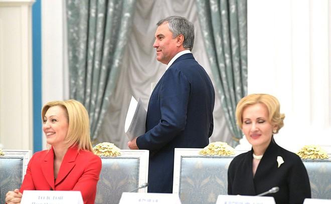 Chủ tịch Duma quốc gia Nga nêu khả năng sửa hiến pháp để kéo dài nhiệm kỳ của tổng thống - Ảnh 1.