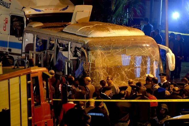 Nạn nhân vụ đánh bom khủng bố ở Ai Cập sắp bay về Việt Nam - Ảnh 1.