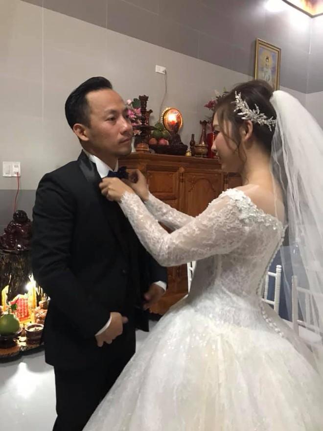 Rapper Tiến Đạt rạng rỡ bên cô dâu 9X trong đám cưới tại quê nhà - Ảnh 7.