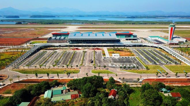 Thủ tướng bấm nút khánh thành sân bay Vân Đồn - Ảnh 17.