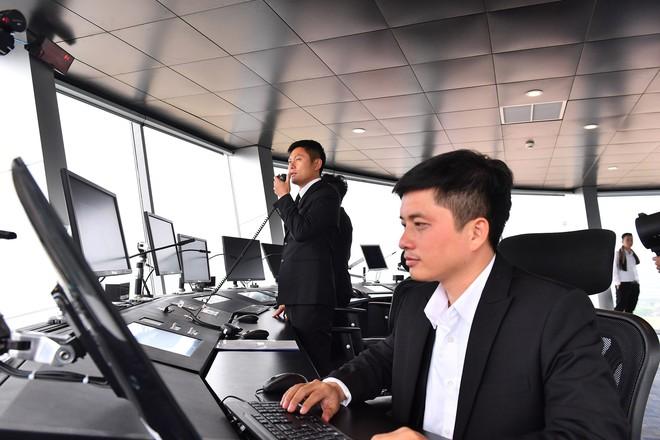 Thủ tướng bấm nút khánh thành sân bay Vân Đồn - Ảnh 26.