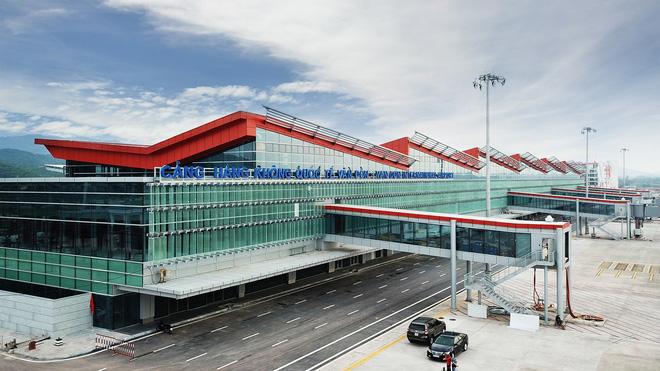 Thủ tướng bấm nút khánh thành sân bay Vân Đồn - Ảnh 20.