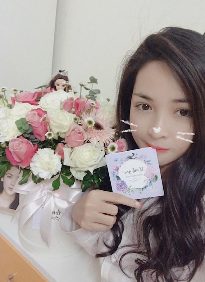 Hotgirl thẩm mỹ Vũ Thanh Quỳnh: 2 năm trước bị quỵt lương, nay nhan sắc thăng hạng, được người bí ẩn tặng hoa mỗi ngày - Ảnh 9.