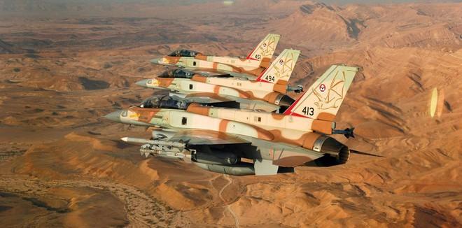 Israel tấn công: PK Syria lúng túng, tên lửa S-300 tránh thiệt hại - Ảnh 2.
