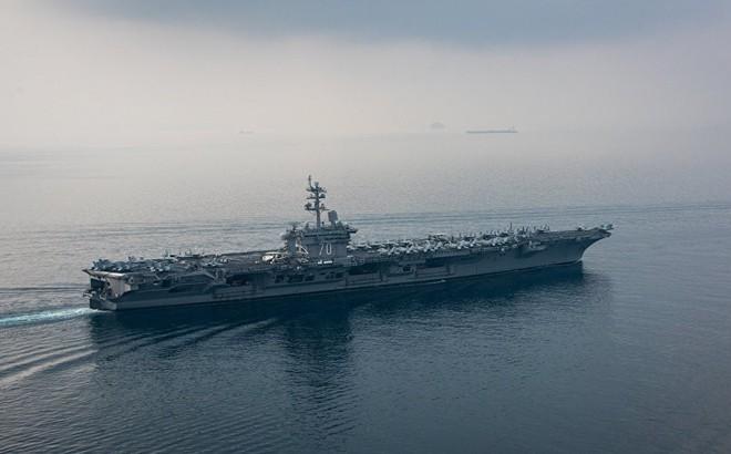 Iran vừa hạ thủy chiến hạm tàng hình, Mỹ lập tức điều tàu sân bay áp sát