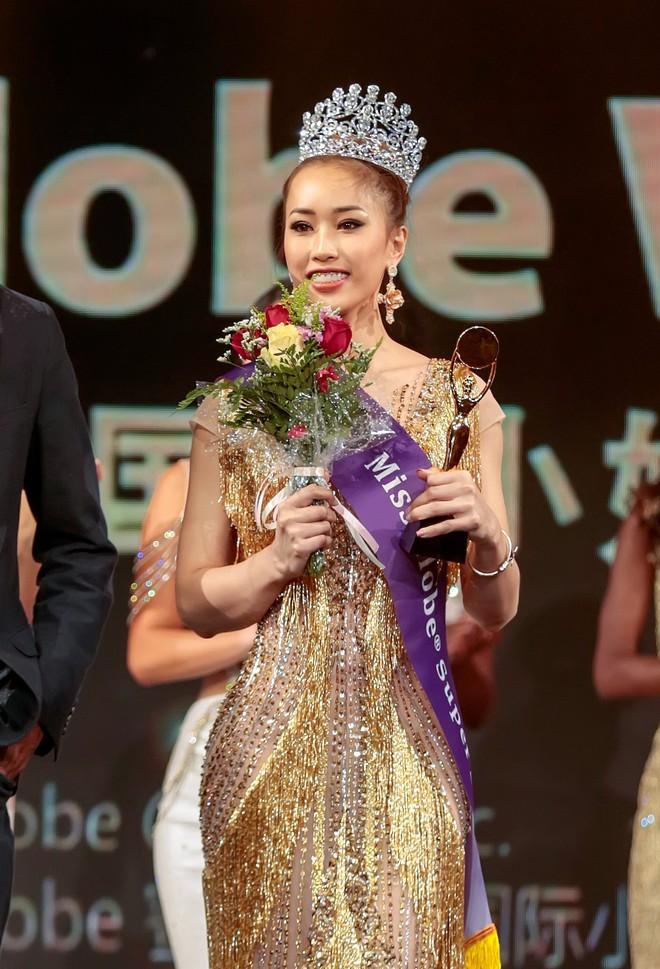 Người đẹp gốc Việt Stella Đào giành vương miện tại Hoa hậu hoàn cầu - Ảnh 1.