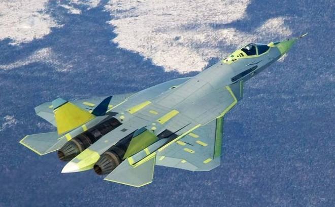 """Tiêm kích tàng hình Su-57: Từ trạng thái """"trần trụi"""" tới lớp sơn ngụy trang độc đáo"""